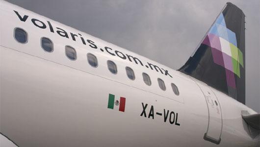 Image: Plane with Volaris livery