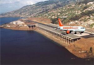 image: easyjet taking off