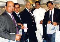 Image: Mihin Lanka's CEO, Lal Galgaswatte and special guest Sarath Kumara Gunarathne