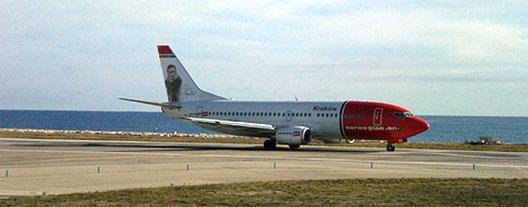 Image: Norwegian plane on the runway