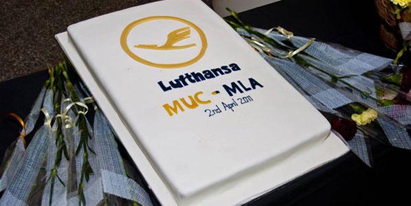 Cake of the Week Vote: Cake 4 Lufthansa's Munich to Malta