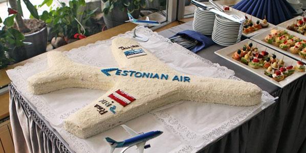 Cake 8: Estonian Air's Riga to Tallinn