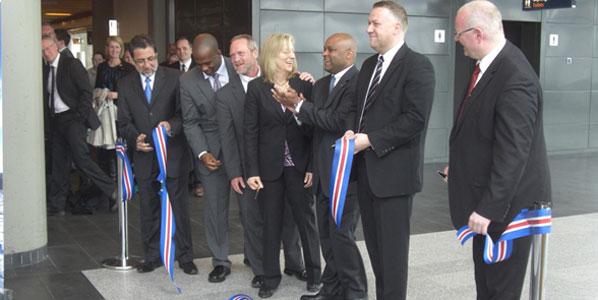 Cutting the ribbon Reykjavik were Luis E. Arreaga, US Ambassador to Iceland; Kim Day, Denver International Airport's Manager; Michael B. Hancock, Mayor of Denver; Birkir Holm Gudnason, Icelandair's CEO; and Bjorn Oli Hauksson, Isavia's CEO.