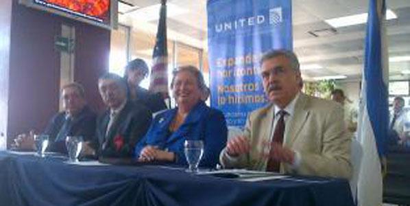 El Salvador's Tourism Minister, José Napoleón Duarte; CEPA's President, Alberto Arene; US Ambassador to El Salvador, Mari Carmen Aponter; and United's Director General Sales, Salvador Marrero.