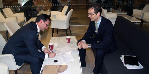 anna.aero's Hogan shares a Costa coffee with Heathrow's Lopez.