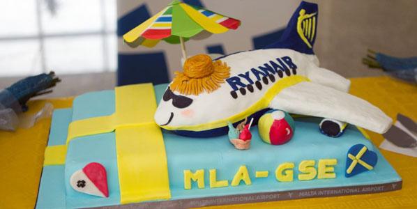 Ryanair Malta to Gothenburg City cake.