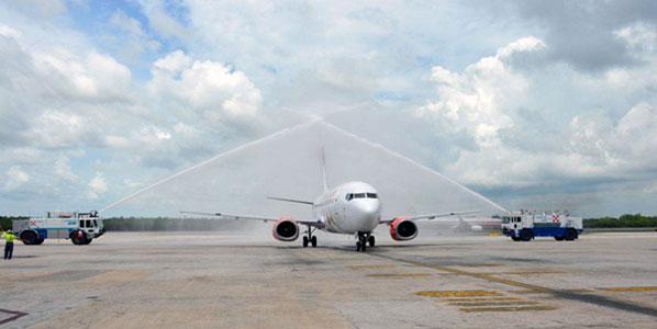 Vivaaerobus' inaugural flight from Oaxaca to Cancun