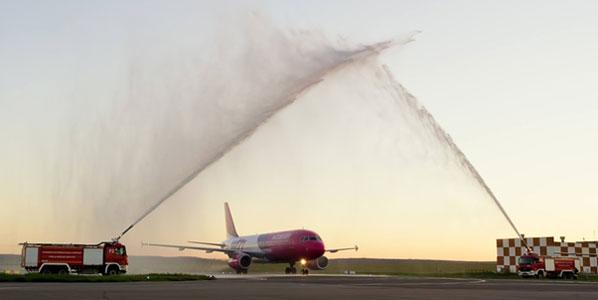 Wizz Air Rome Ciampino to Chisinau International Airport water cannon salute