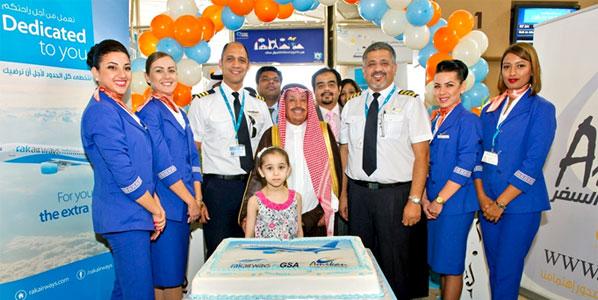 Sheikh Abdullah Ibrahim Alomigan, Chairman of Amaikan Travels and Tours (GSA of RAK Airways in Riyadh) with RAK Airways crew