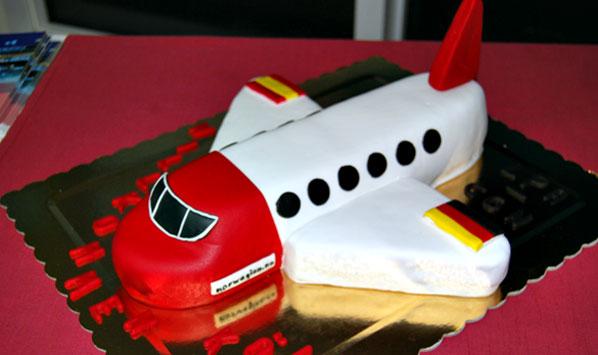Cake of the Week Vote: Cake 13 - Norwegian's Cologne Bonn to Gran Canaria