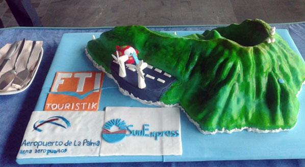 Cake of the Week Vote: Cake 18 - SunExpress' Stuttgart to La Palma