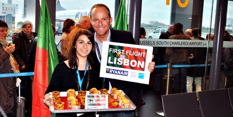 Passengers were presented with Lisbon's finest pastries: Pasteis de Belem en Bolos d'Arroz