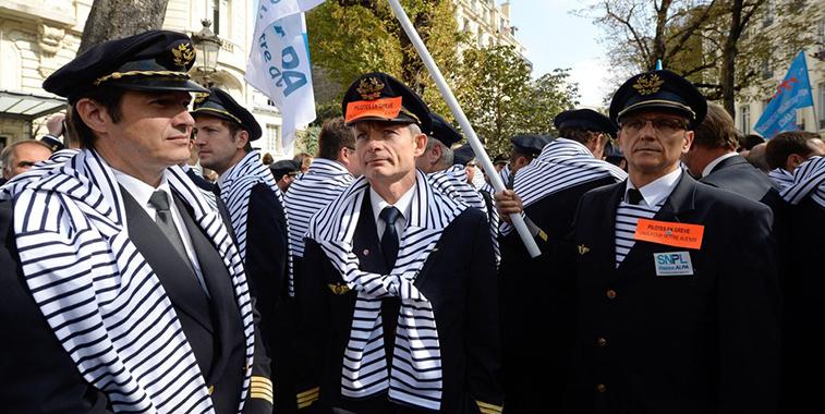 Air France's pilot union SNPL to strike during September