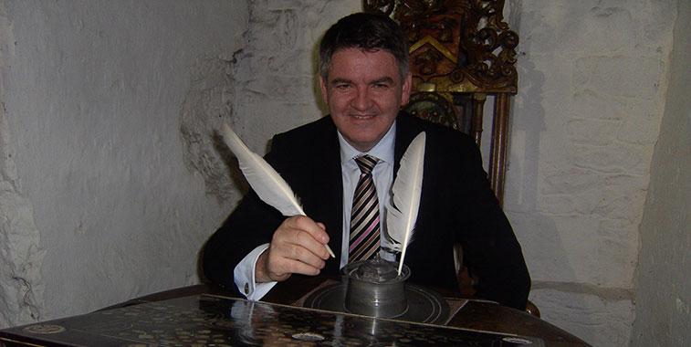 Neil Pakey