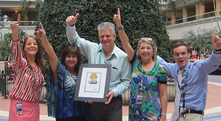Celebrating last week's Cake of the Week award for Volaris