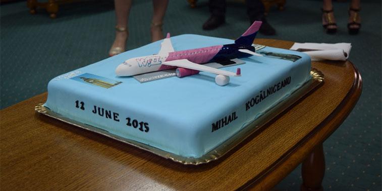 Wizz arrival cake