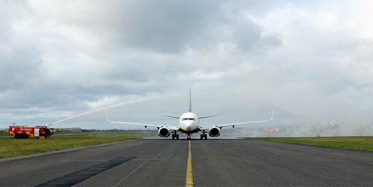 FTWA 27 - Ryanair Belfast International to London Gatwick
