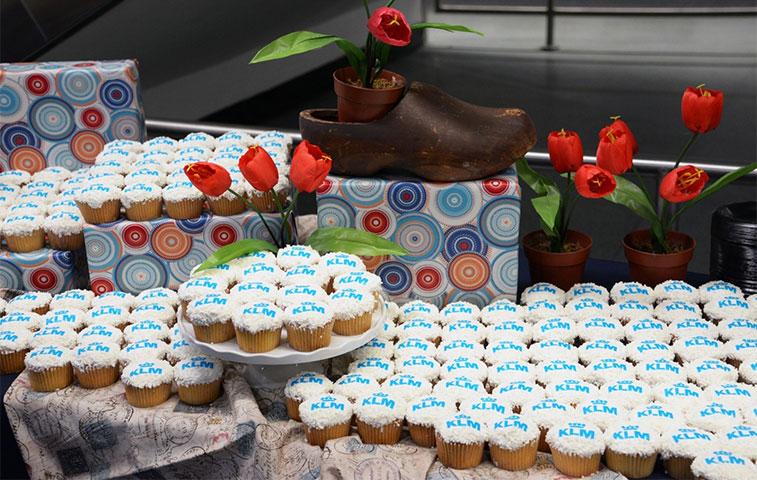 Cake 7 - KLM Amsterdam to Miami