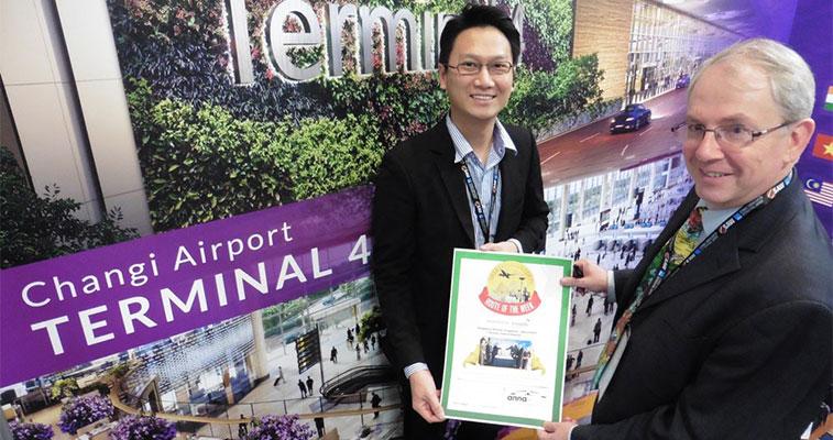 Iberia, Oslo Gardermoen, Manchester and Singapore celebrate awards -3