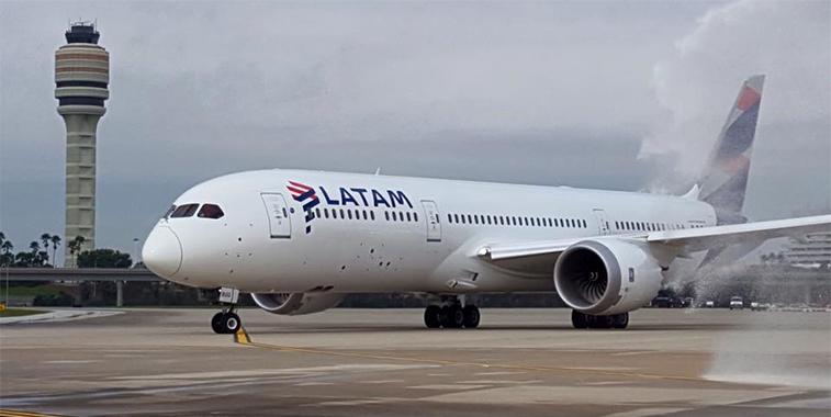 LATAM Airlines Orlando Santiago